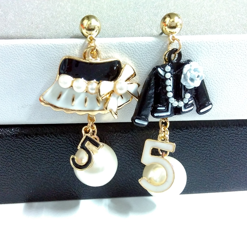 Pendiente de perla dorada de diseño famoso para mujer número 5 gorra joyería de moda