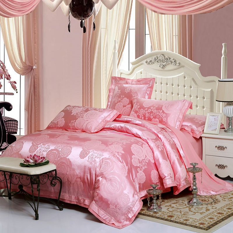 luxury European style satin jacquard Duvet Cover Comfortable and soft Bed Sheet 4pcs Pillowcases Textile Bed Queen King size