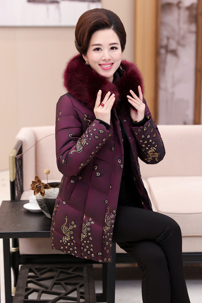2017 winter new middle-aged women in the long down jacket cotton jacket coat grandmother coat collar 2017 60 year old 70 grandmother jacket in the elderly mothers installed women s winter 80 elderly lady down jacket
