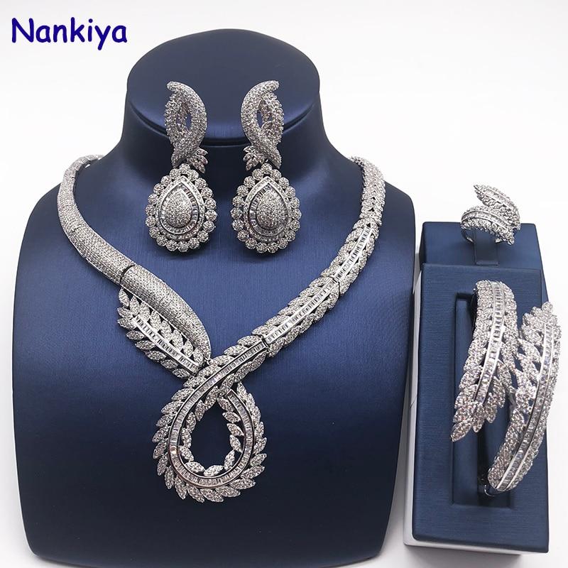 Hadiyana Stylish Twist Leaf Shape Dubai Bridal Jewelry Set Fashion Wedding Necklace Earring 4pc Sets Saudi Women Jewelry NC761 stylish hollow rectangle leaf shape hasp alloy waist chain for women