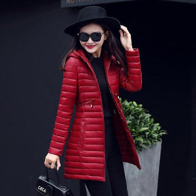 Novo 2017 Jaqueta de Inverno Revestimento Das Mulheres Plus Size Ultra-leve de Algodão-acolchoado Casaco Longo Elegante Outwear Fino para baixo Parka de Algodão
