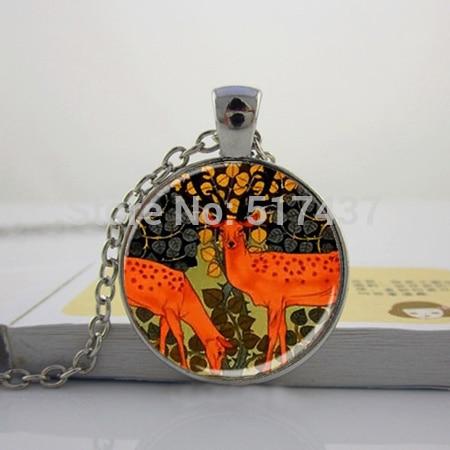 Q-0099 Art Nouveau cerf pendentif bijoux, Art Nouveau verre Art pendentif bijoux, Art Nouveau cerf collier