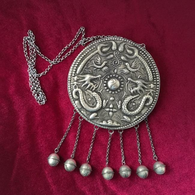 Vente de bijoux>>> Guizhou ethnique vent collier fait à la main Miao argent rétro bijoux exagéré long Shuanglong chandail chaîne