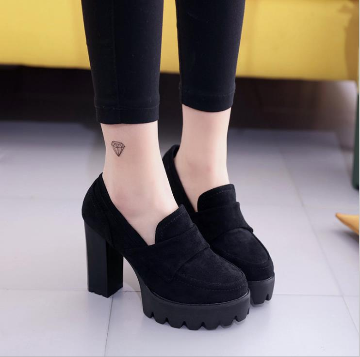 2018 autumn new women's single shoes Europe and the United States retro round head shallow mouth with high heels 1