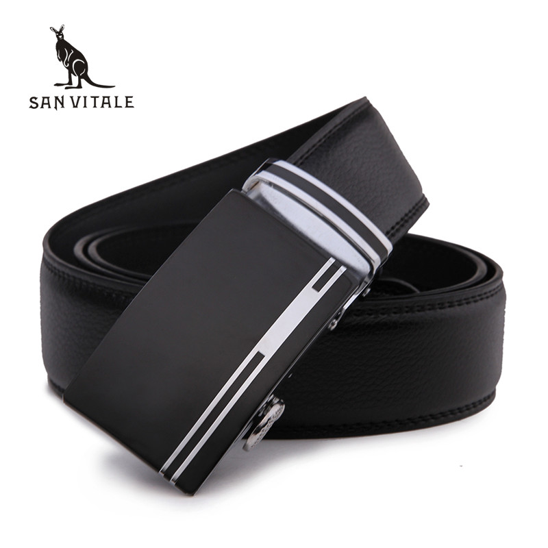 The leather belt is made with a leather belt design with the Tommy Hilfiger brand on a khaki inlay ribbon. This leather belt is finished with a brass belt buckle. Nike Golf Men's Tech Essential Belt – .