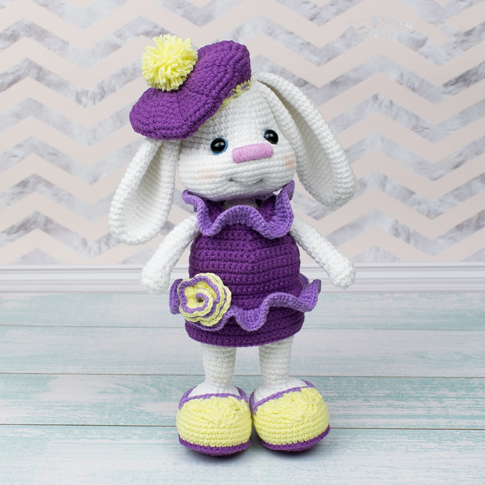 Pretty-Bunny-with-floppy-ears-Free-Crochet-Pattern_