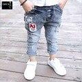 2016 A Estrenar Niños pantalones Vaqueros Niños Pantalones Vaqueros Niños Pantalones Casuales Bebé Retails 2-7Yeas Chicos Vaqueros Niños Jeans Ropa para Niños