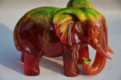 16.5 cm * / Unique rare amber hand carved elephant statue of peace carving crafts home decoration