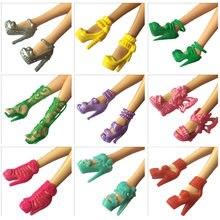 b02f75e10c 10 pares 10 Estilo Boneca Da Moda Sapatos Botas De Salto Alto Sandálias  Brinquedos Veado Acessórios para Barbie Dolls Aniversári.
