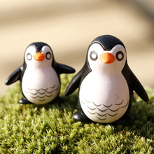 penguin animal micro landscape ornaments Toys Cute Lovely Decorations Landscaping 2-3cm Moss Eco Bottle Action Figure. PY082