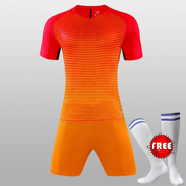 FREE SOCKS Custom Team Kids Breathable Soccer Set 2017 2018 Soccer Jerseys  Uniforms Children Football Kit 2c94299fb