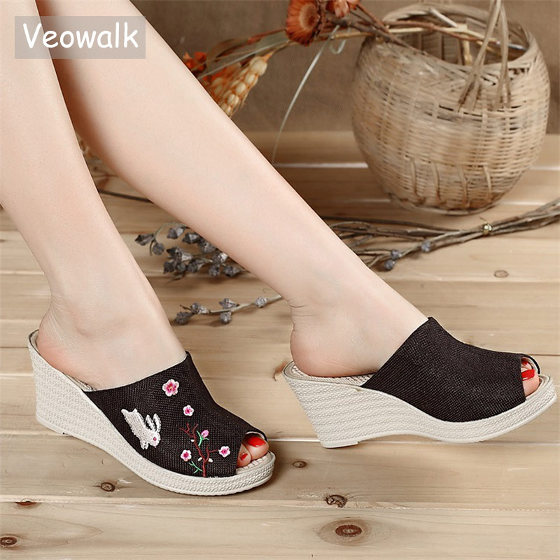Veowalk Rabbit Embroidered Women Linen Open Peep Toe Wedge Slide Clogs Handmade Ethnic Ladies Comfort Summer Mid Heel Shoes