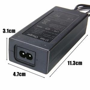 Image 5 - Cargador de batería Universal de 42V y 2A para Hoverboard, rueda de equilibrio inteligente, adaptador de cargador para Scooter Eléctrico de 36v, enchufe europeo/estadounidense