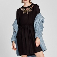 2017 Women European OYK8222 Za Solid Color Foral Fare Sleeve Embroideried Pleated Dress Hot Sale Women