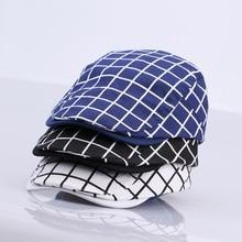 Nueva moda Gatsby Cap hombres sombrero de algodón Golf conducción Flat  cabbie unisex Plaid check Boinas b708fadd5ea