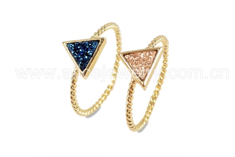 BOROSA 10PCS Gold Color Triangle Rainbow Drusy Rings, Mixed Colors Agates Titanium Rainbow Druzy Bezel Ring Women Jewelry ZG0290 2