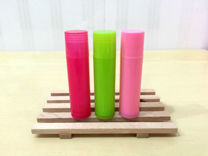 free shipping 5ml PP pro-environment material rose red/green/pink lipstick tube,lip balm container with rotating flat cover karmart cathy doll 2 in 1 vitamin c tint tinted gluta gloss pink lip korea free shipping