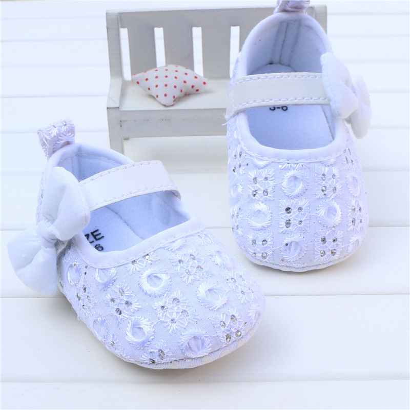 Baby Girl Princess Prewalker Shoes Pure White Soft Sole Shoes Infant Leisure First Walkers Girl Toddler Shoes Bow Rhinestone