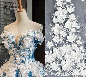 Image 2 - Elfenbein Weiß Hochzeit Kleid Spitze Stoff, 3D Chiffon Blumen Nagel satin Bead Hohe Ende Europäischen Spitze Stoff Freies Verschiffen RS583