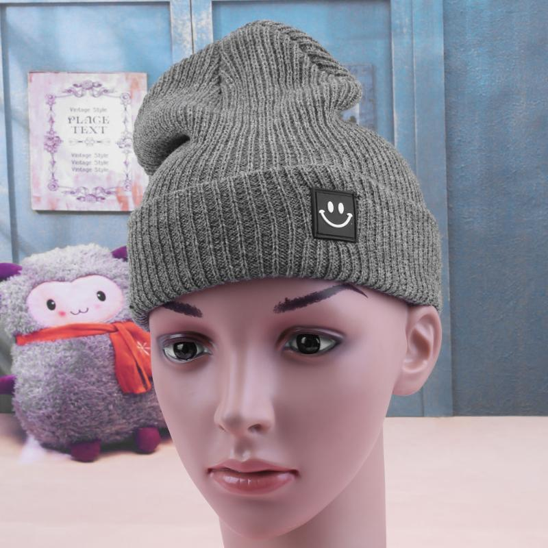 New Smiley Labeling Autumn Winter Couple Wool Hat Knitted Hat Female Male Pure Color Warm Classic Leisure hat new winter male and female cartoon glasses color embroidery knitting wool hat warm hat hedging hat skullies m144