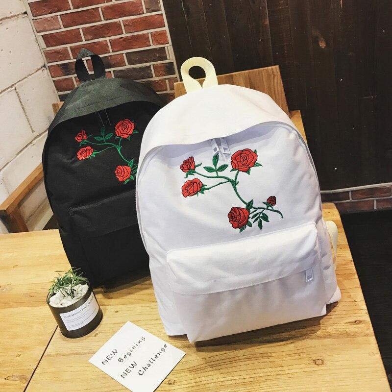 Venta caliente 2019 nueva moda unisex harajuku bordado 5 flores rosas  mochila de los hombres de cartera de las mujeres de hombro bolsa en Mochilas  de Bolsos ... 9ab8ddb648425
