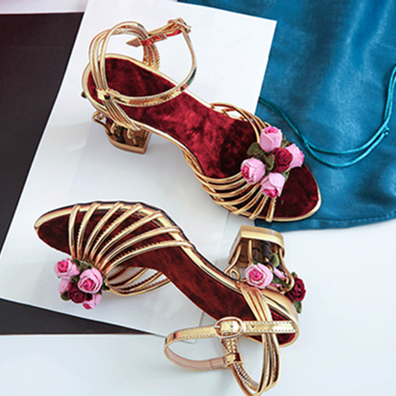 Cheap Factory Price Beautiful Flowers Embellished Gold Caged Women Sandals Handmade Gladiator Sandals Women Shoes Gold Leather
