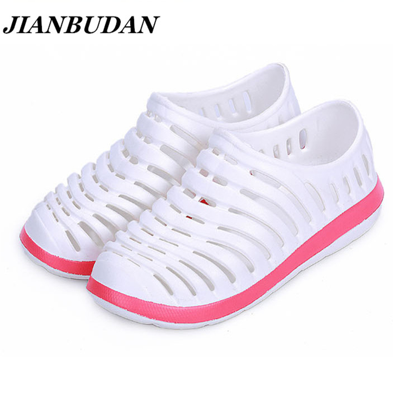JIANBUDAN Couples hole shoes / women sandals garden shoes female models shoes, summer  women fully breathable hole shoes  women slippers wholesale fashion lovers hole shoes garden nest female models sport sandals hole sandals