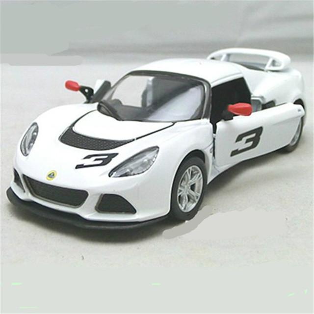 Kinsmart Lotus Exige S 1: 32 diecast coches de aleación modelo de deportes niños juguetes coche de regalo de navidad