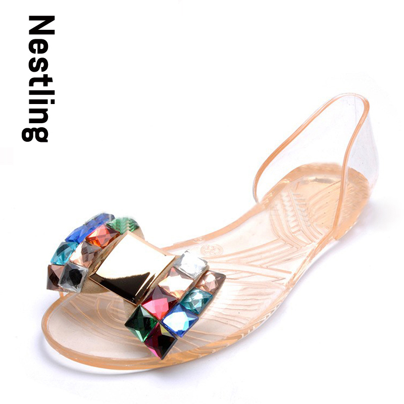 2017 New fashion jelly shoes women flat sandals Transparent peep toe crystal women summer beach shoes woman the new summer women camellia plastic jelly shoes sandals flat bottom beach shoes