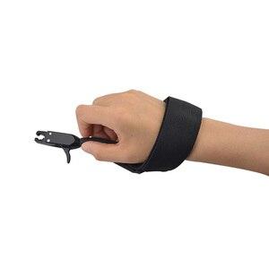 Image 4 - 1pc noir étrier libération chasse tir arc flèche accessoires poignet libération sangle utilisé pour arc composé