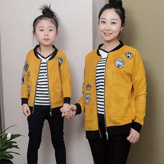 Crianças roupas mulheres meninas crianças da família roupas combinando olhar família mãe filha roupas de beisebol jaqueta casaco de camurça amarelo