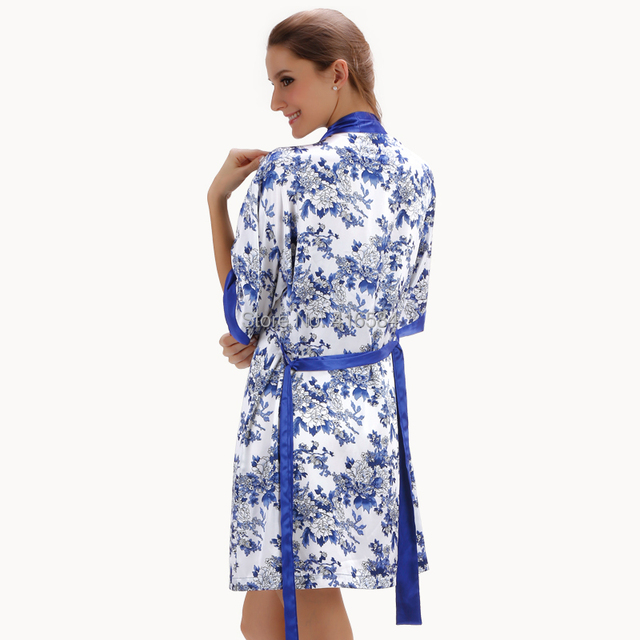 2016 New Porcelain Satin Robe & Nightgown Set Silk Sleepwear Women's Bathrobe and Slip for Women Cardigans Summer/Autumn/Spring