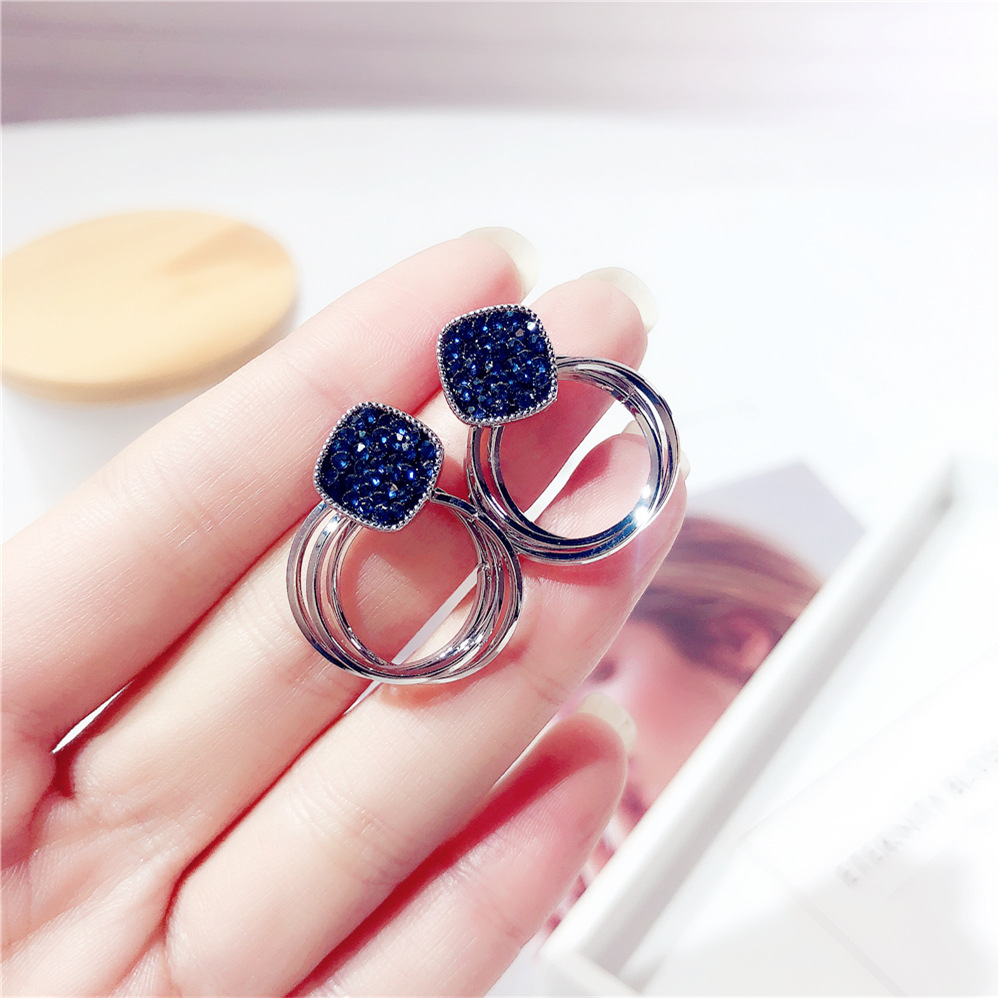 HTB1lr0FafjsK1Rjy1Xaq6zispXaH - 2018 New Fashion Zinc Alloy Classic Round Women Dangle Earrings Korean Deep Blue Crystal Circle Jewelry For Female