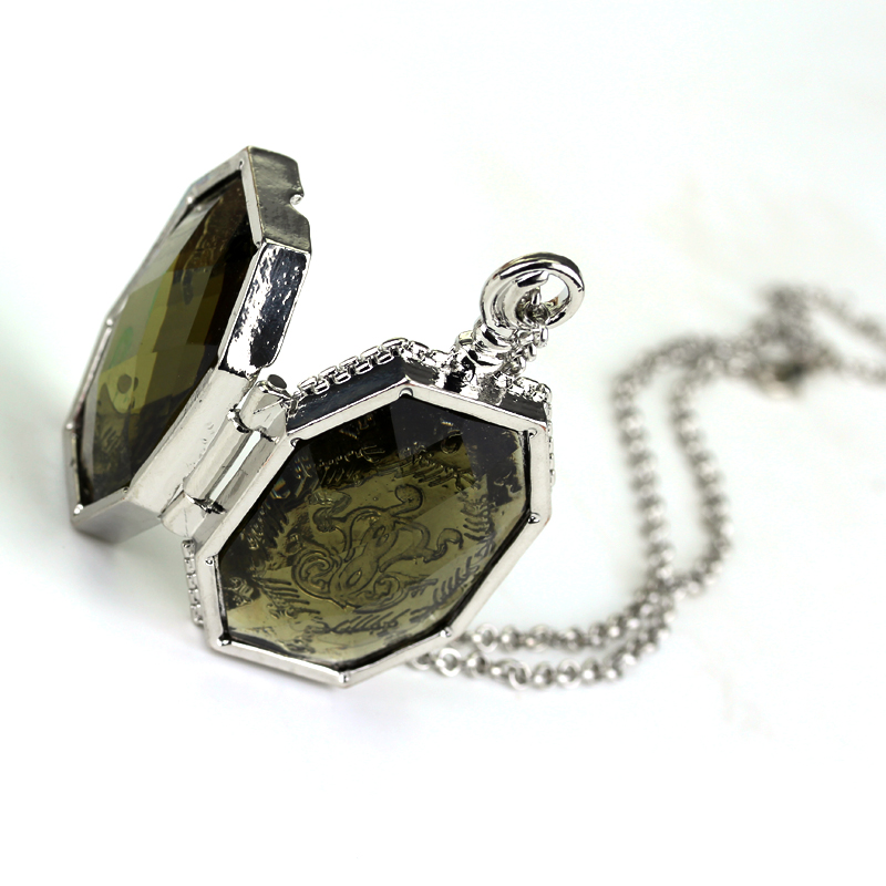 Image 4 - 20 pcs/lot Fashion Slytherin College Treasures Horcrux Locket Necklace Slytherin Box Horcrux Kit Necklaces Pendant Movie Jewelry-in Pendant Necklaces from Jewelry & Accessories
