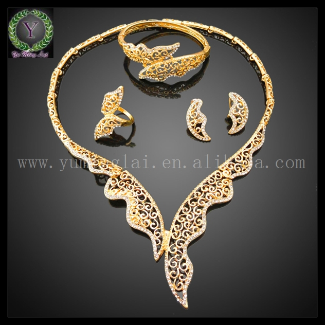 2015 trendy jewelry set beautiful 18 carat gold jewelry set in