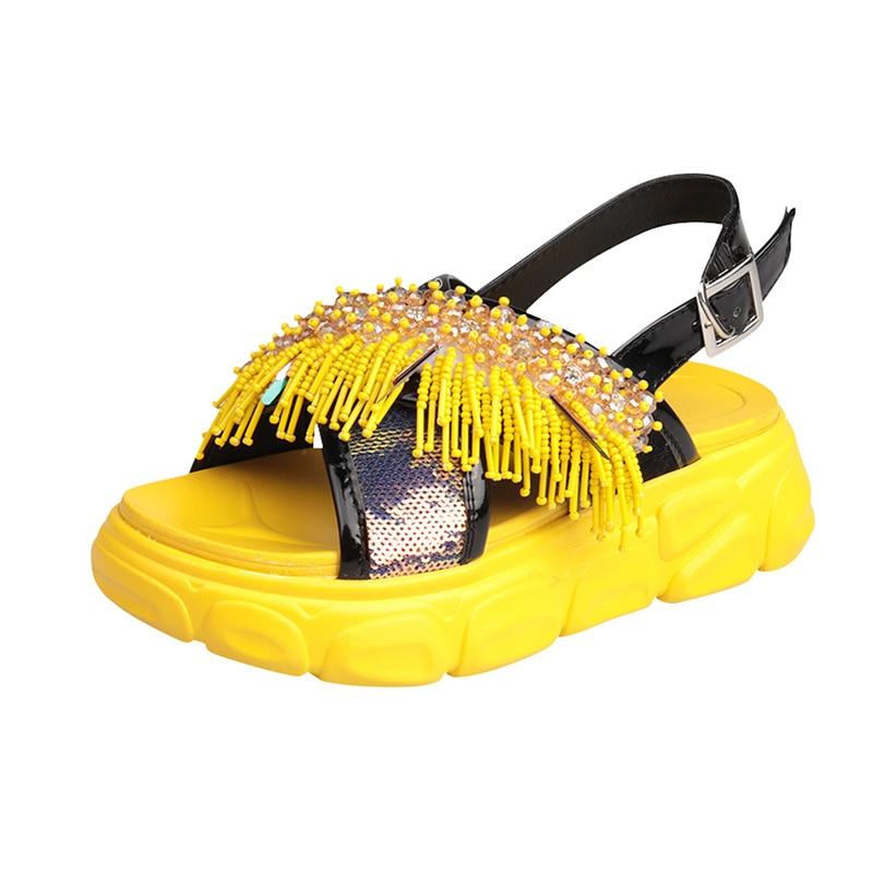 المرأة الصيف الصنادل 2019 الأزياء سلسلة حبة أحذية منصة للمرأة الصيف أحذية صنادل طراز جلاديتور النساء الشاطئ حذاء حجم 35-في الكعب المتوسط من أحذية على  مجموعة 1