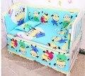 Promoção! 6 pcs Minions berço berço cama set para menina e meninos, Incluem ( pára choques + folha + travesseiro )