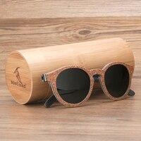 Gafas de sol mujeres en madera retro