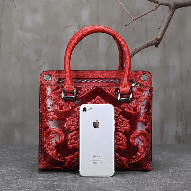 China Style Embossing Flower Designer Lady Small Totes Handbag Genuine Leather Elegant Women Cross Shoulder Red Floral Purse