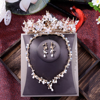 Korean brides gold crown pearl necklace earrings suit three pieces of new wedding hair jewelry wedding bridal crystal