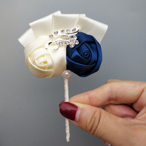Image 2 - WIFELAI A งานแต่งงานเจ้าสาวชุดเพชรเจ้าบ่าว Boutonniere Sisters Hand กุหลาบข้อมือ Corsage Bridesmaids 2216 T