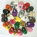 Franja de LA PU zapatos de bebé de cuero suaves Mocasines arco Niñas Niños Niños Moccs Bebé Recién Nacido Primeros Caminante Infantil Sapatos Shaussures