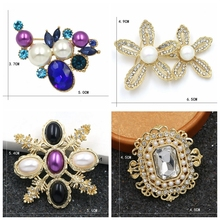 WEIMANJINGDIAN New arrival Assorted Crystal Rhinestones and Simulated Pearls Vintage Brooch Pins for Clothing Accessories
