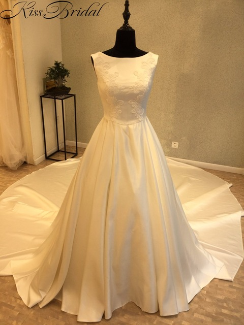 Vestidos De Noiva Hot Wedding Dress With Long Tail Elegant Satin Gowns 2018