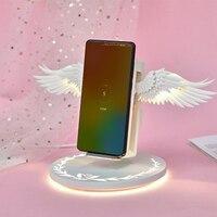 Promo Cargador inalámbrico para teléfono móvil de luz nocturna con alas de Ángel para Android Apple USB10w