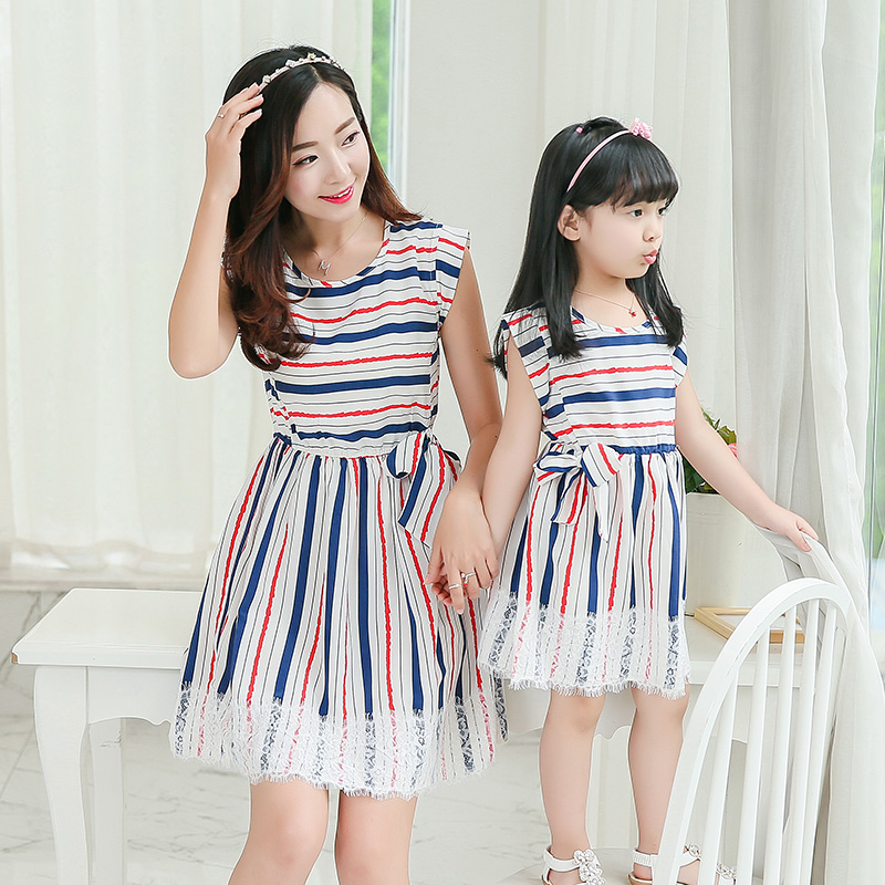 2016 new mother daughter dresses for girls family look women lace decoration blue white striped dress