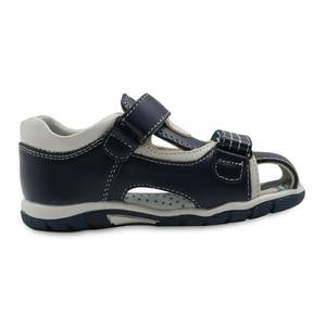 Image 3 - Apakowa Sandalias de cuero genuino para niños pequeños, zapatos planos para niños, de Punta cerrada, deportivas para playa, Eur 26 31