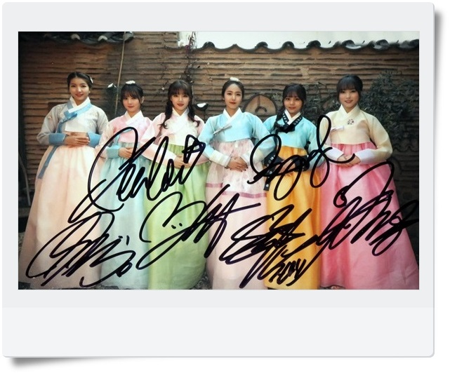 signed GFRIEND autographed  original group photo 6 inches freeshipping 062017 C VERSION