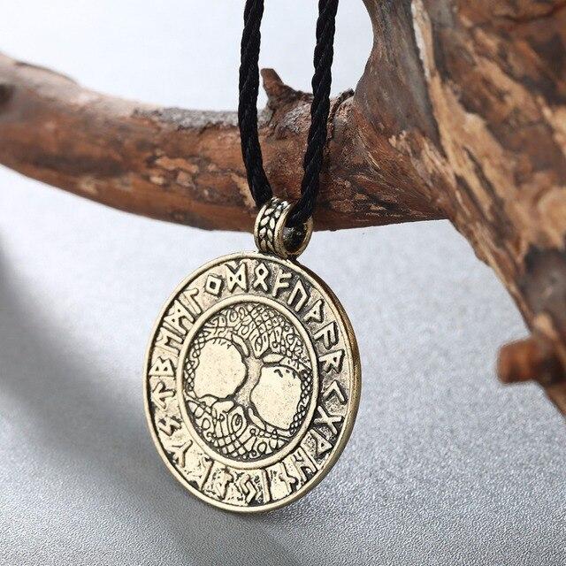 Collier nordique Vikings Runes 4