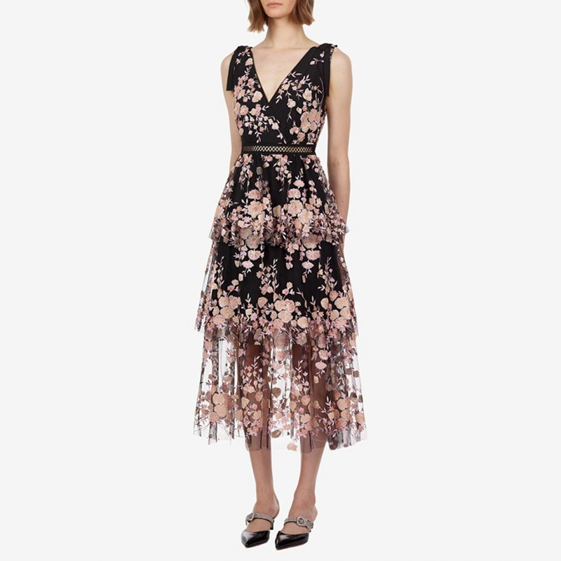 TWOTWINSTYLE Elegant Embroidery Patchwork Women Dress V Neck Sleeveless High Waist Hollow Out Midi Dresses Female Summer 2019